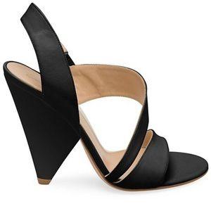 NEW Gianvito Rossi Triangle Heel Sandals  👡